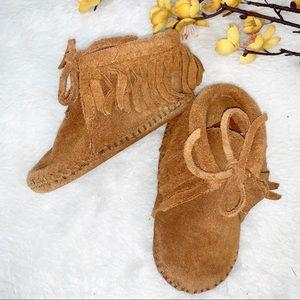 MINNETONKA | 4 Baby Suede Fringe Bootie Boot